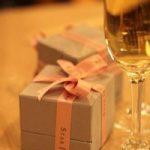 結婚相談所で出会ったばかりだけど、あの子に誕生日プレゼントを渡すべき?